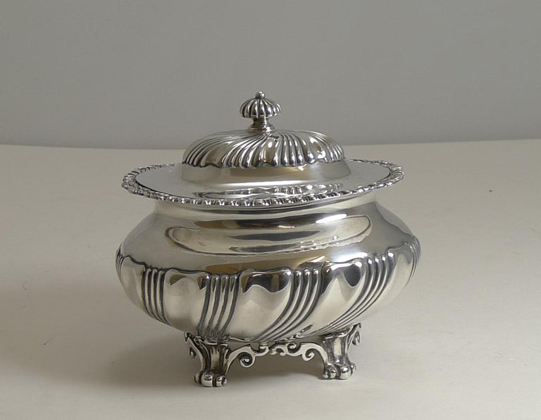 Antique English Sterling Silver Tea Caddy, London, 1909 For Sale 3