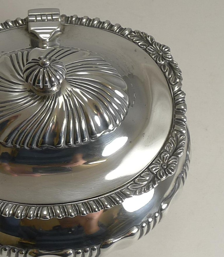 Antique English Sterling Silver Tea Caddy, London, 1909 For Sale 4