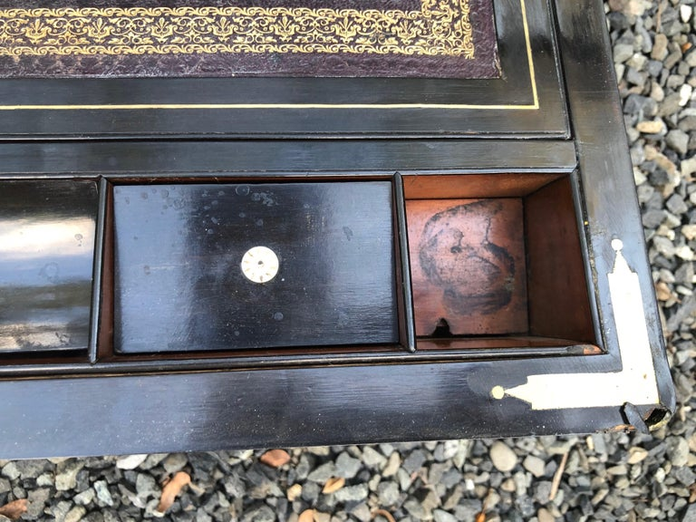 Antique English Traditional Lap Desk on Custom Stand In Good Condition For Sale In Hopewell, NJ