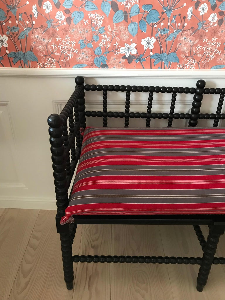 Antique English Two-Seat Bobbin Bench with Pillow in Swedish Ticking, 1830s In Good Condition For Sale In Copenhagen K, DK