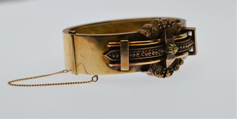 Antique English Victorian 14 Karat Yellow Gold Bracelet In Good Condition For Sale In Mount Kisco, NY