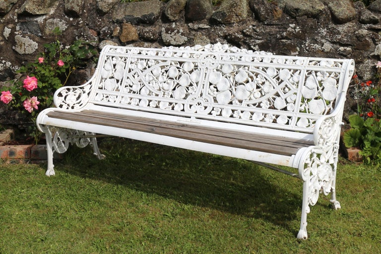 Antique English Victorian Coalbrookdale Nasturtium Pattern Garden Seat/Bench In Good Condition For Sale In Glasgow, GB