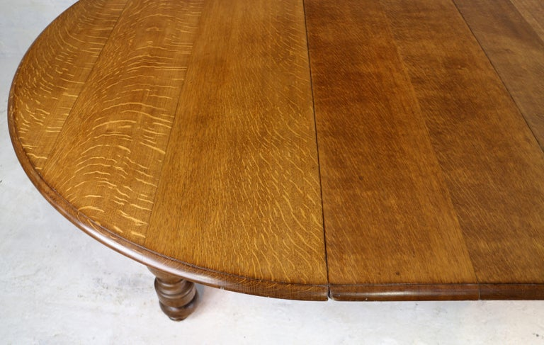 Antique English Victorian Oak Round, Antique Round Oak Table