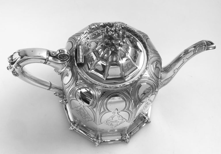 Antique English Victorian Silver Tea and Coffee Service For Sale 3
