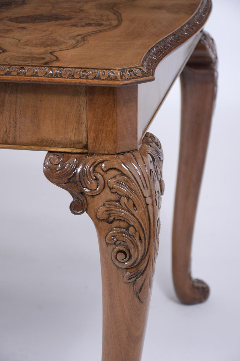 Early 20th Century Antique English Walnut Dining Table For Sale
