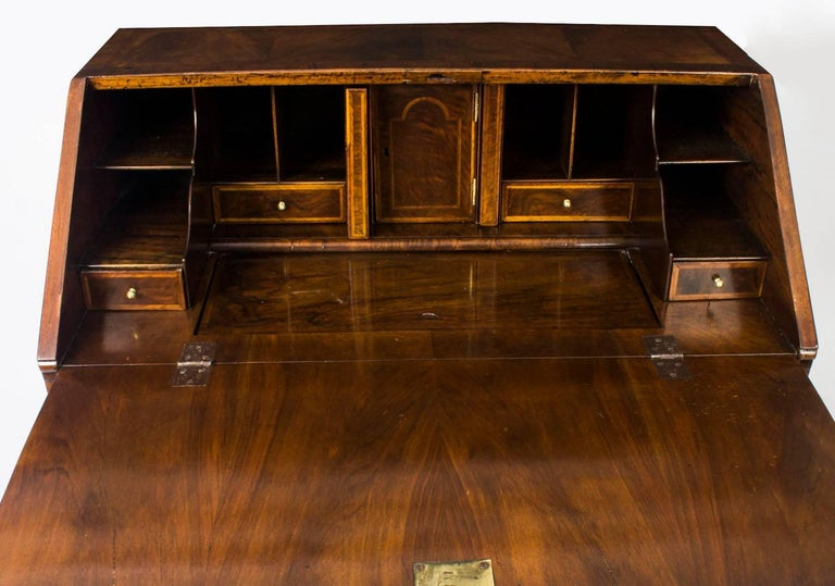 Antique English William & Mary Walnut and Feather Banded Bureau, 17th Century 10