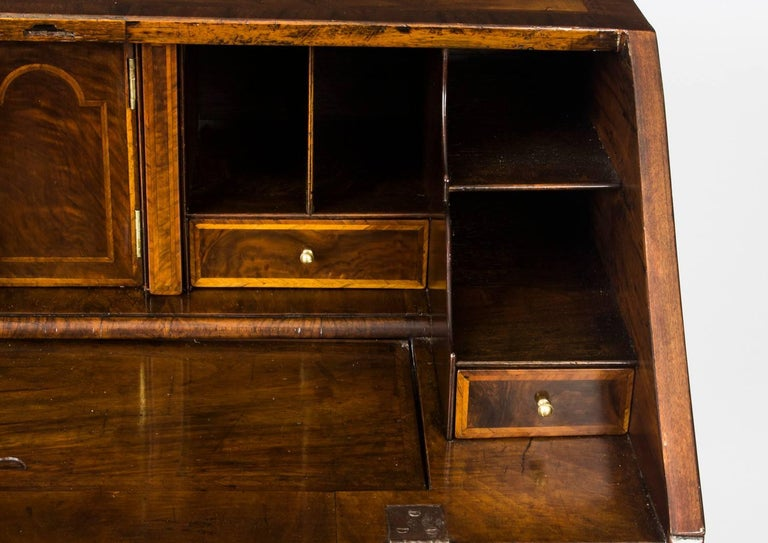 Antique English William & Mary Walnut and Feather Banded Bureau, 17th Century 12
