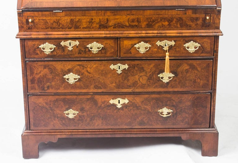 Antique English William & Mary Walnut and Feather Banded Bureau, 17th Century 1