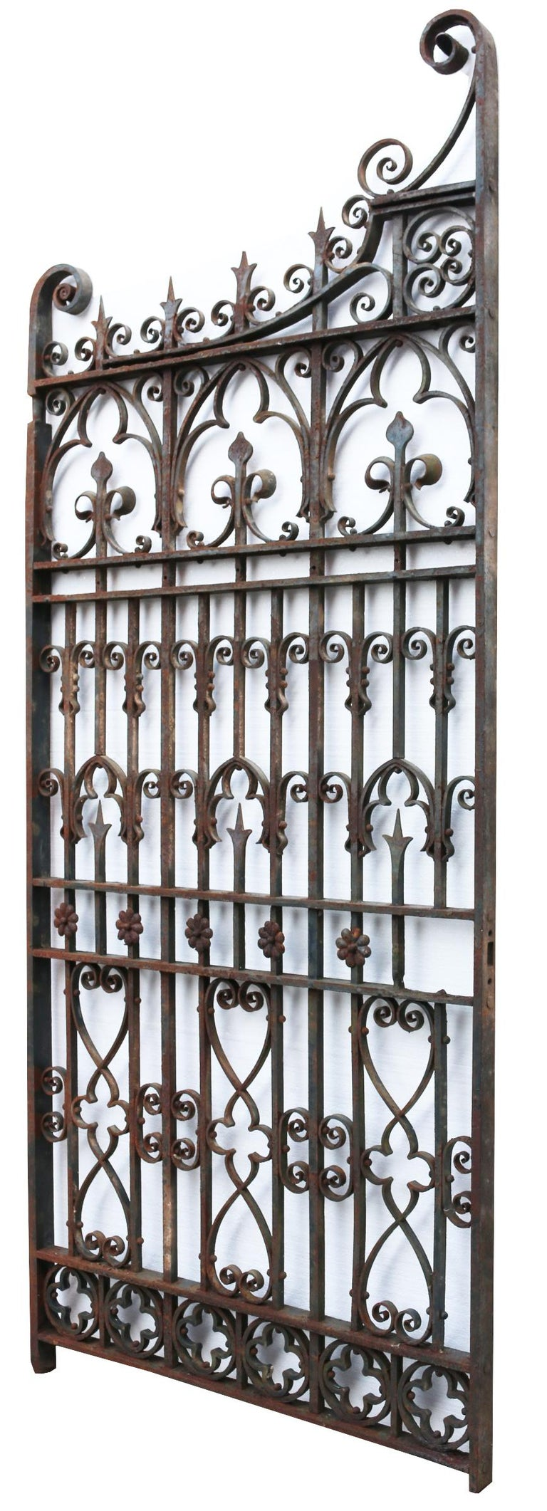 Antique English Wrought Iron Garden Gate In Fair Condition For Sale In Wormelow, Herefordshire