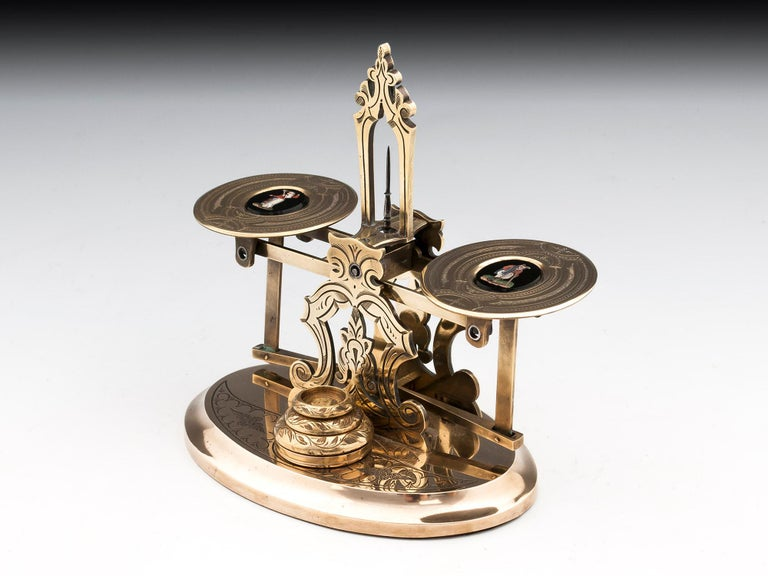 Antique Engraved Brass Postal Scales 19th Century In Good Condition For Sale In Northampton, United Kingdom