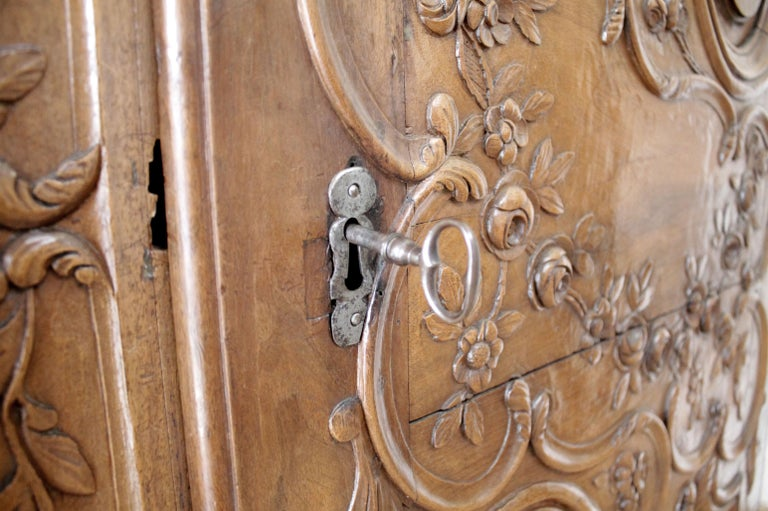 Antique European French Provincial Carved Roses Armoire Cabinet For Sale 5
