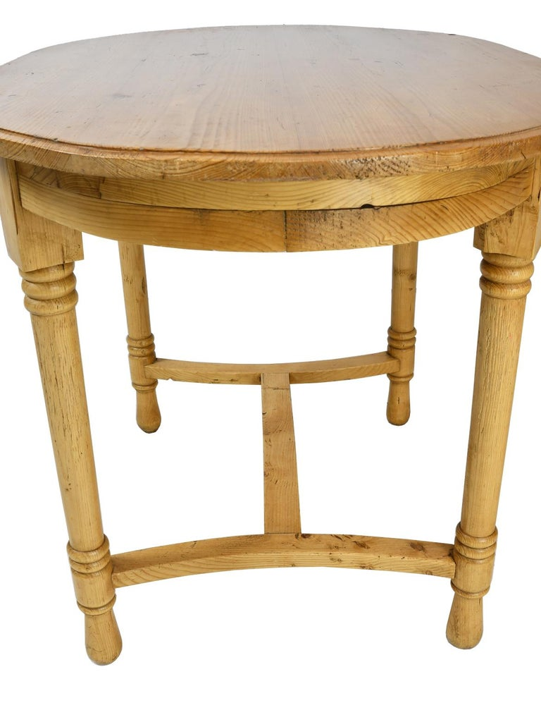Antique European Oval Table in Pine, Danish or German, circa 1900 For Sale 5