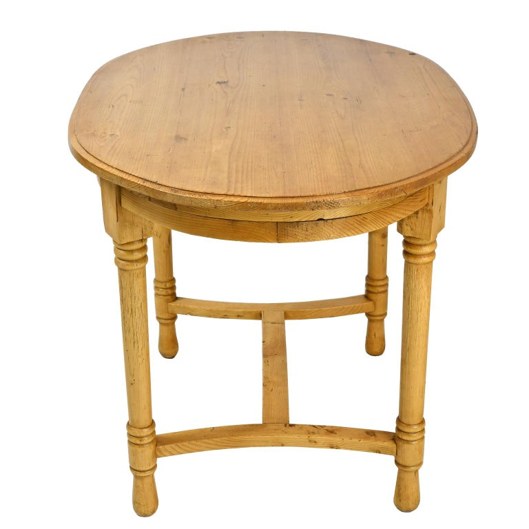 Country Antique European Oval Table in Pine, Danish or German, circa 1900 For Sale