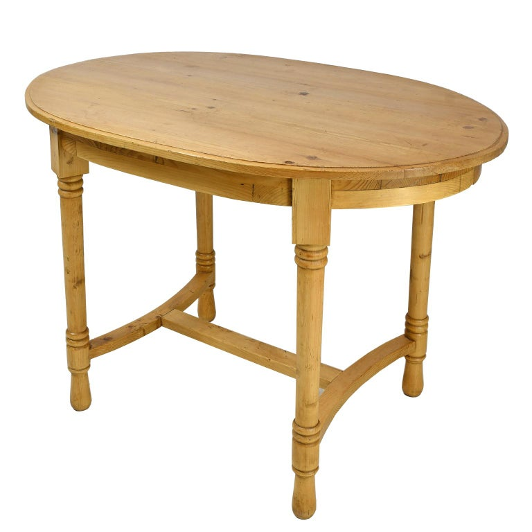 20th Century Antique European Oval Table in Pine, Danish or German, circa 1900 For Sale