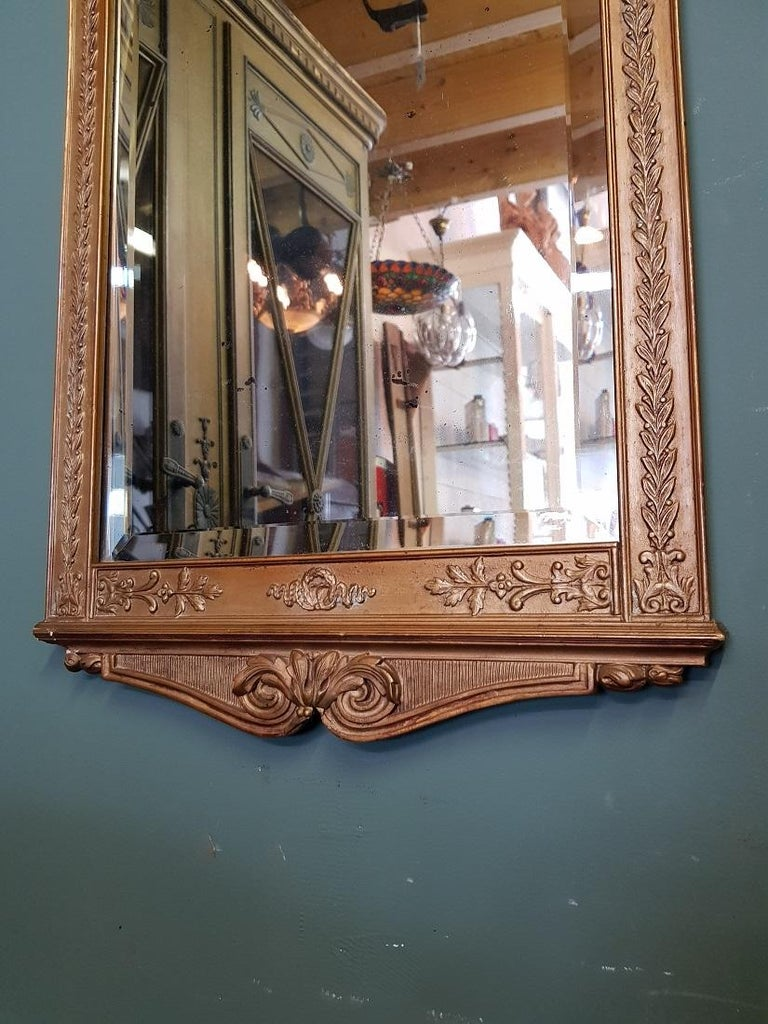 Antique Faceted Mirror in a Gilded Neoclassical Plaster Frame In Fair Condition For Sale In Raalte, NL