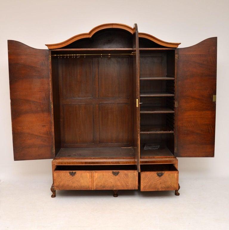Antique Figured Walnut Three-Door Wardrobe In Good Condition For Sale In London, GB