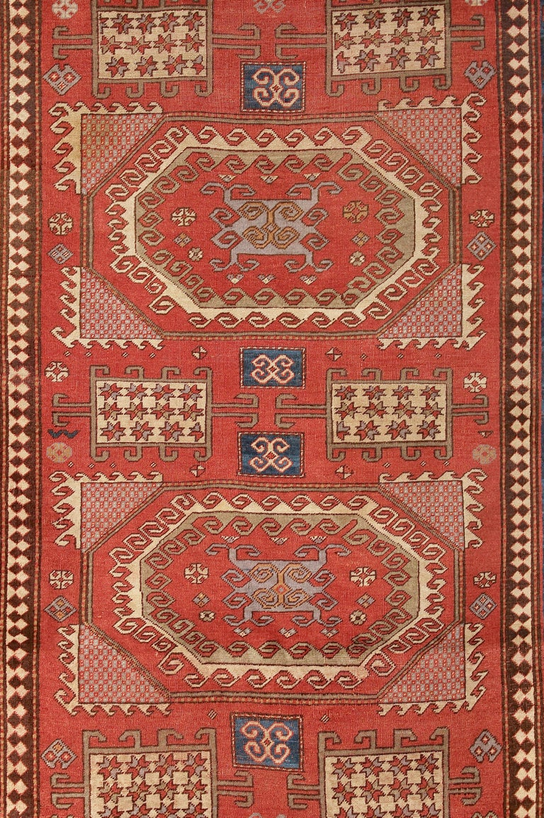 Hand knotted. Strong natural colors. Beautiful pattern. The carpet is in an age-related (good) condition.  The images are part of the article description.  On request, we clean the carpet professionally and expertly, before shipping.