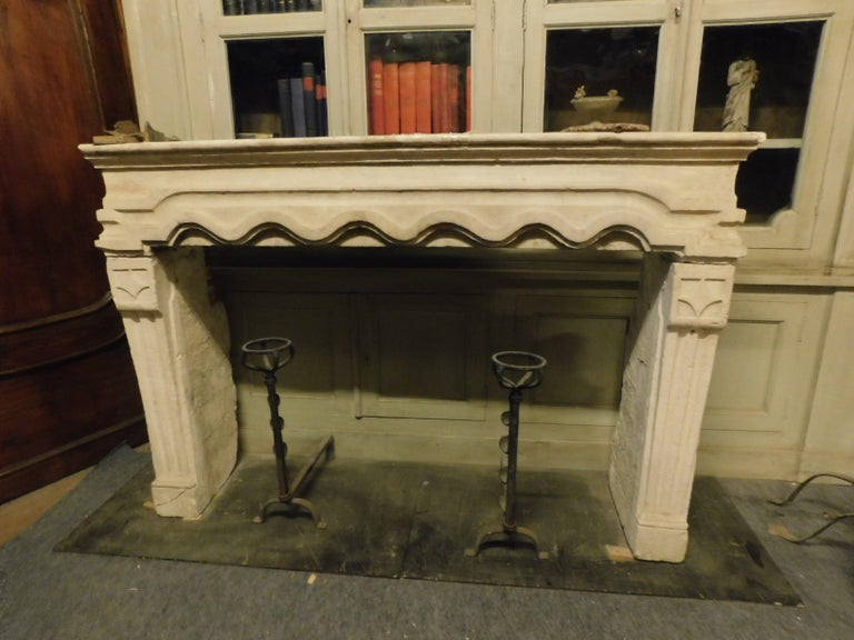 Antique fireplace made of Borgogna's Stone  Comes from France