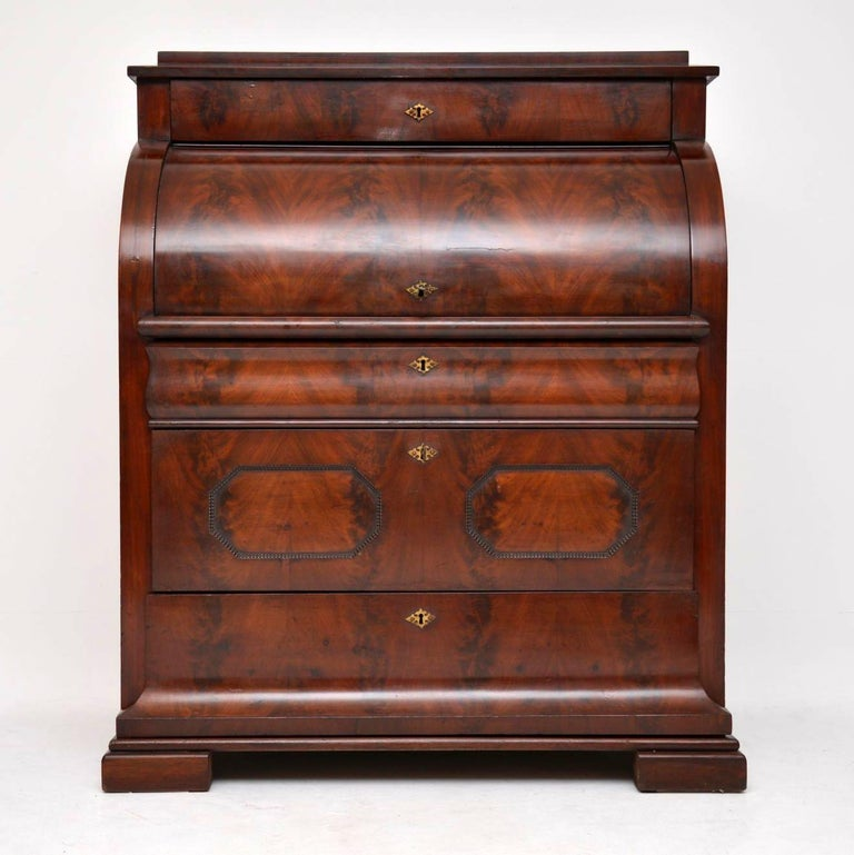 Early Victorian Antique Flame Mahogany Cylinder Top Bureau For Sale