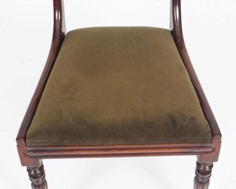 Antique Flame Mahogany Extending Dining Table 19th Century and 10 Chairs For Sale 14