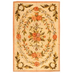Antique Floral American Hooked Rug. Size: 5 ft 11 in x 8 ft 11 in