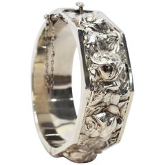 Antique Floral Silver Bangle Bracelet