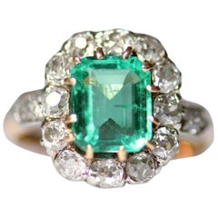 Antique French 18 Karat Gold Colombia Emerald Diamond Cluster Ring