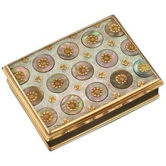 Antique French 18-Karat Gold-Mounted Mother of Pearl Snuff Box, circa 1750