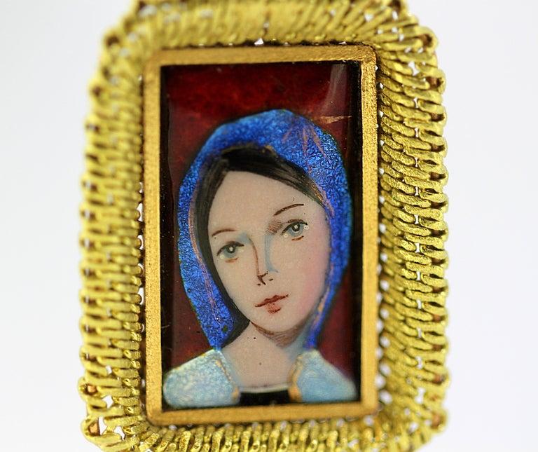 Art Deco Antique French 18 Karat Gold Enamel Portrait Pendant, France Early 20th Century For Sale