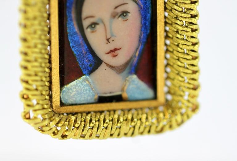 Women's or Men's Antique French 18 Karat Gold Enamel Portrait Pendant, France Early 20th Century For Sale