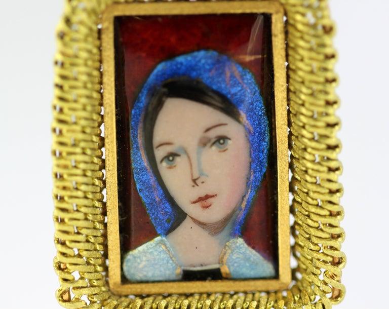 Antique French 18 Karat Gold Enamel Portrait Pendant, France Early 20th Century For Sale 1