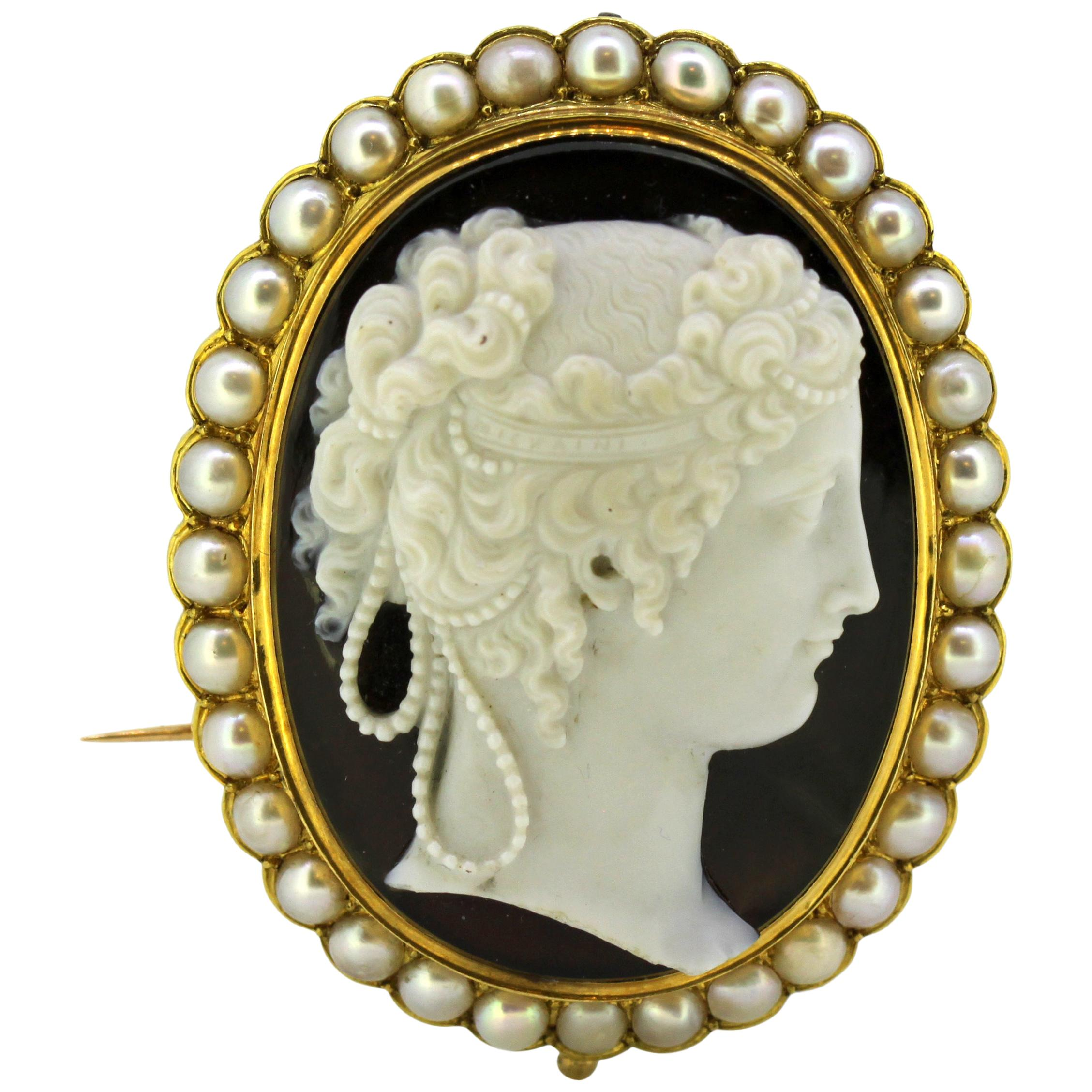 Cameo Brooches - 212 For Sale on 1stdibs