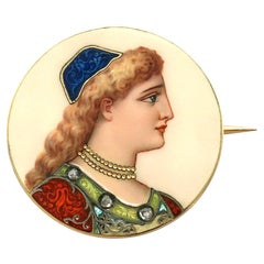 Antique French 1900s Enamel and Yellow Gold Brooch