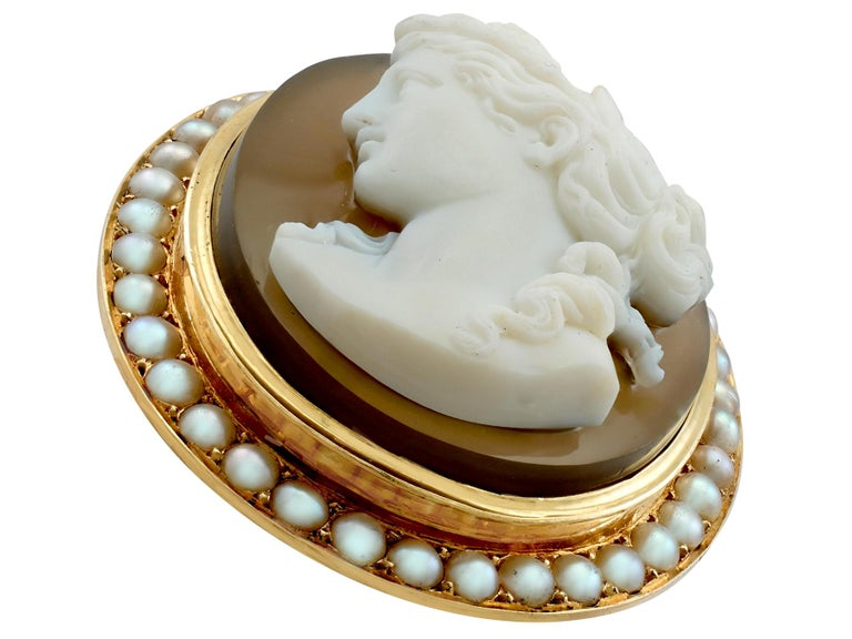 An impressive antique French agate and seed pearl, 18 carat yellow gold cameo brooch; part of our diverse antique jewellery and estate jewelry collections.  This fine and impressive antique cameo brooch with diamonds has ben crafted in 18ct yellow