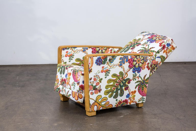 Antique French Art Deco Lounge Chairs New Upholstery Josef Frank Fabric, 1930s In Good Condition For Sale In Vienna, AT