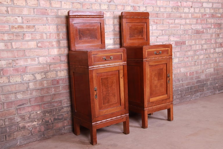 Antique French Art Deco Marble Top Mahogany Nightstands, circa 1920s For Sale 1