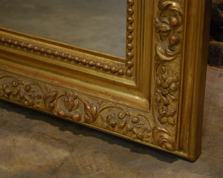 Antique French Baroque Giltwood Mirror with Putti or Cherubs in Crest For Sale 8