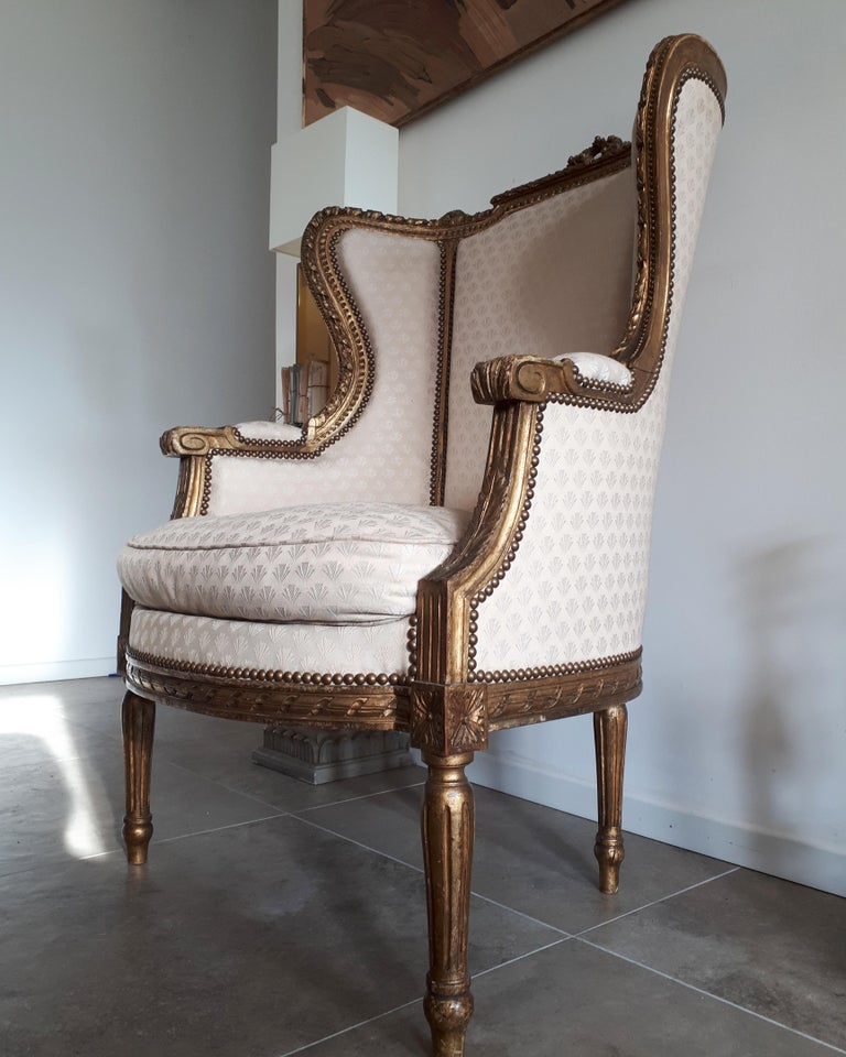 Antique French Bergère Louis XVI Style Napoléon III Period In Good Condition For Sale In Paris, FR