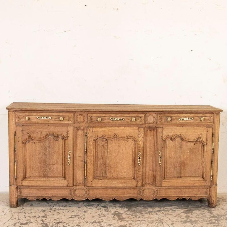 Antique French Bleached Oak Long Sideboard In Good Condition For Sale In Round Top, TX