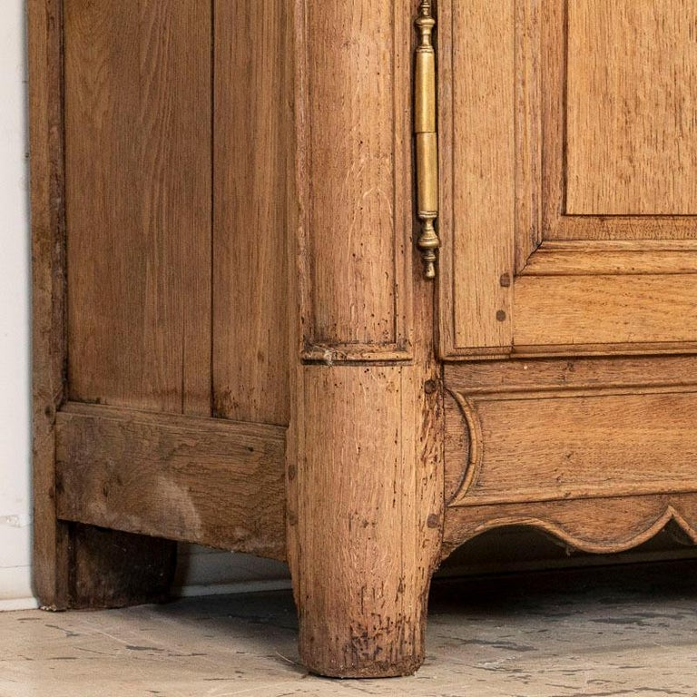 Antique French Bleached Oak Long Sideboard For Sale 5