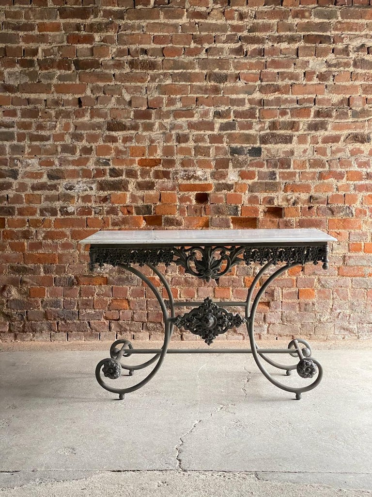 Antique French Boulangerie Pastry Table France, circa 1890  In Good Condition For Sale In Longdon, Tewkesbury