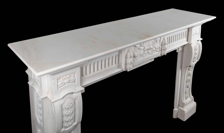 Antique French Carrara Marble Mantelpiece In Excellent Condition For Sale In Tyrone, Northern Ireland