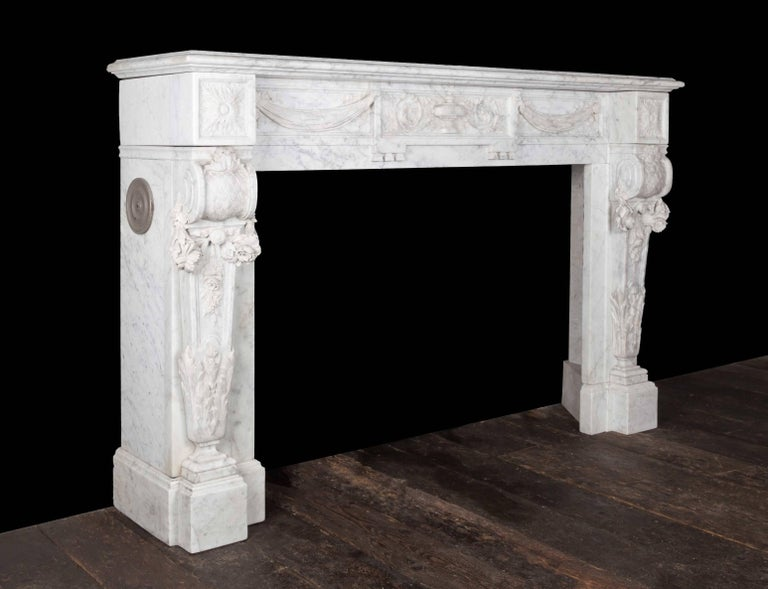 Antique French Carrara Marble Mantelpiece For Sale 1