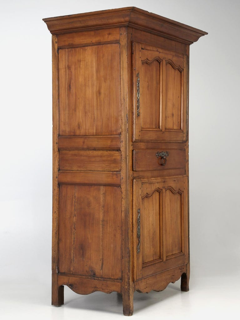 Antique French Cherrywood Bonnetiere 'Small Cupboard', circa 1700s For Sale 9