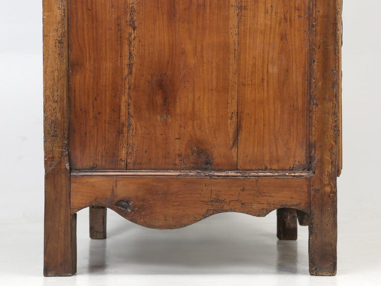 Antique French Cherrywood Bonnetiere 'Small Cupboard', circa 1700s For Sale 10