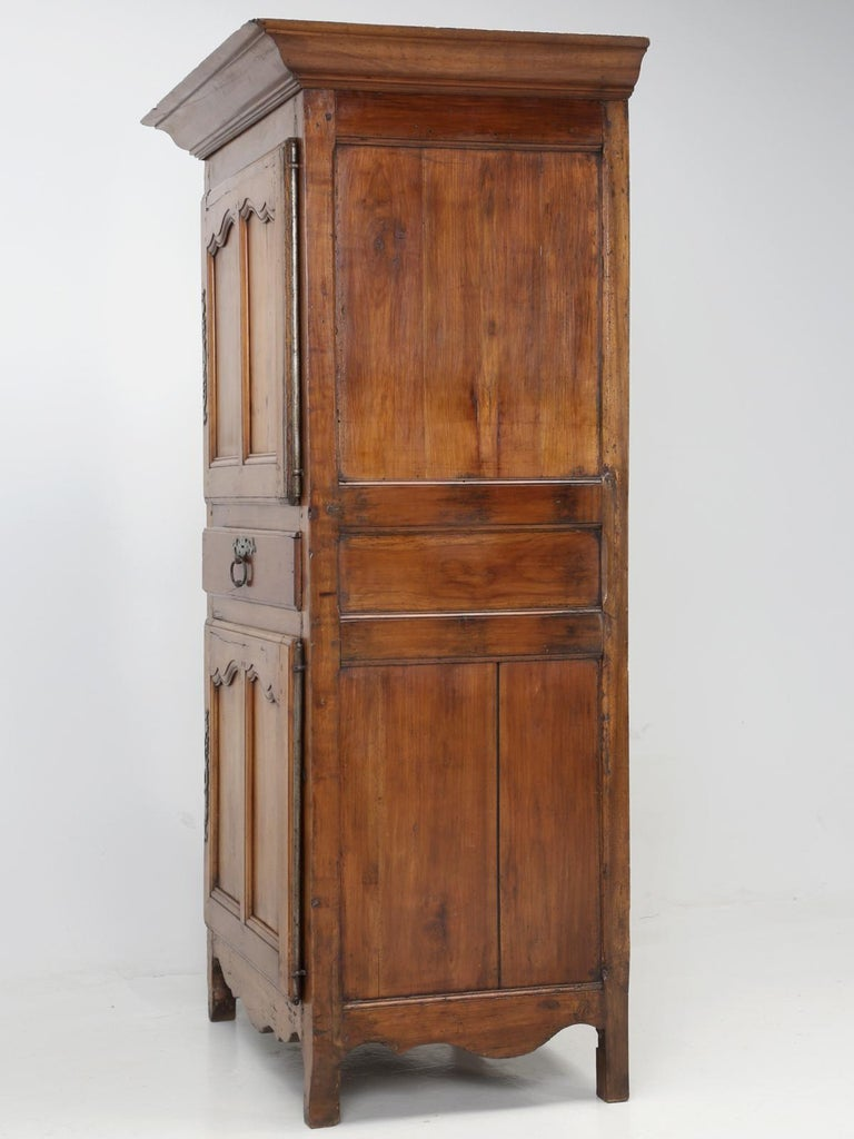 Antique French Cherrywood Bonnetiere 'Small Cupboard', circa 1700s For Sale 11