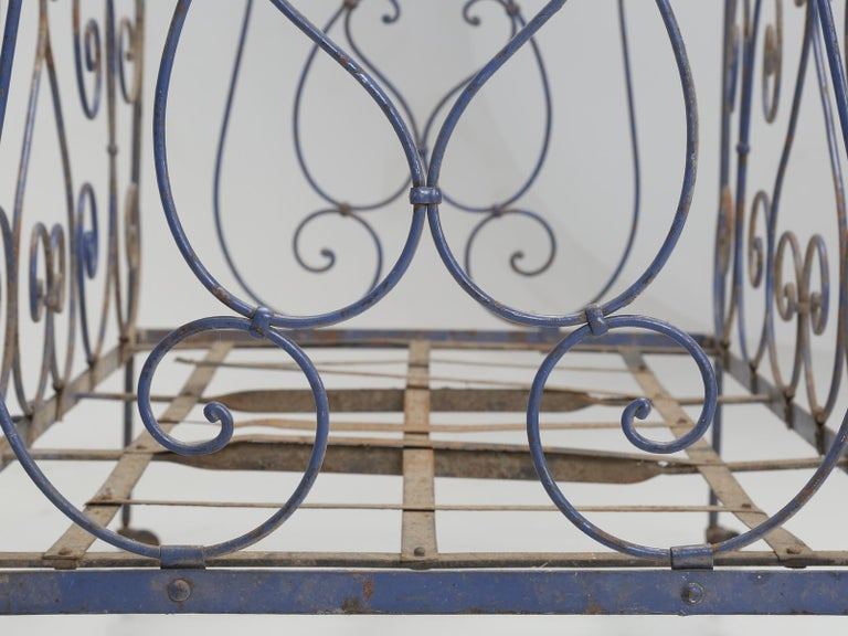 Antique French Child's Bed in Original Paint from Toulouse, France For Sale 5
