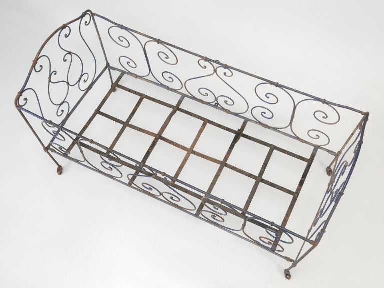 Antique French Child's Bed in Original Paint from Toulouse, France For Sale 7