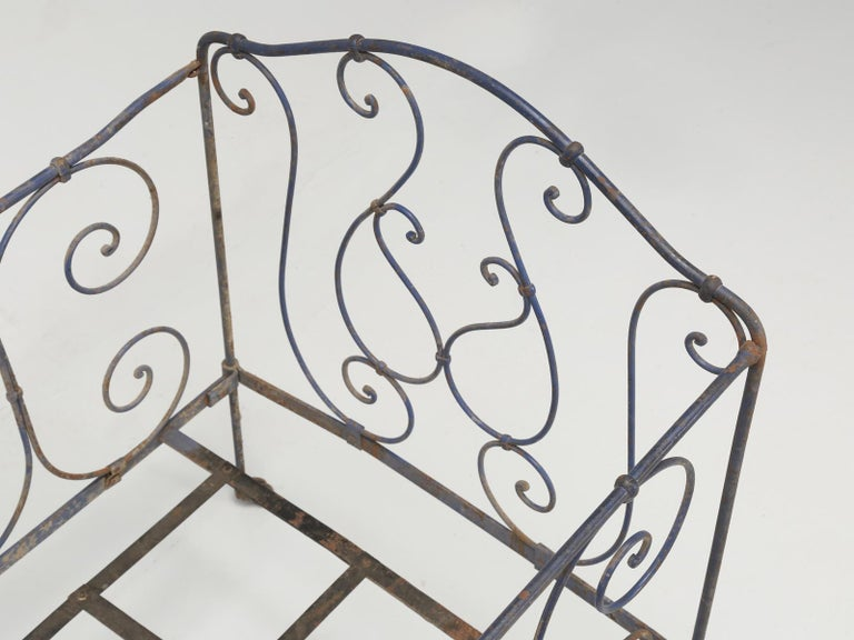 Antique French Child's Bed in Original Paint from Toulouse, France For Sale 8