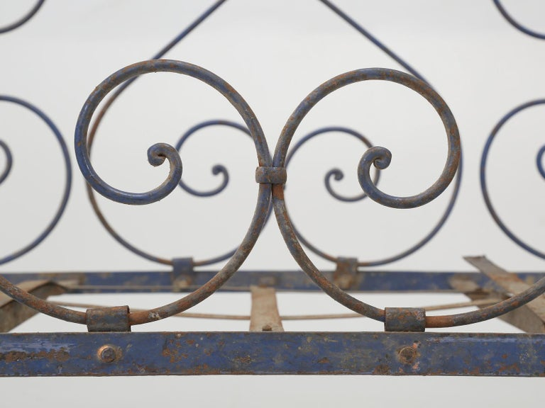 Metal Antique French Child's Bed in Original Paint from Toulouse, France For Sale